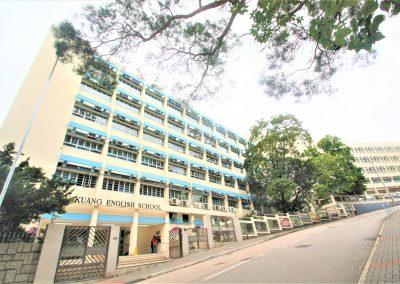校舍正門 School Front Door